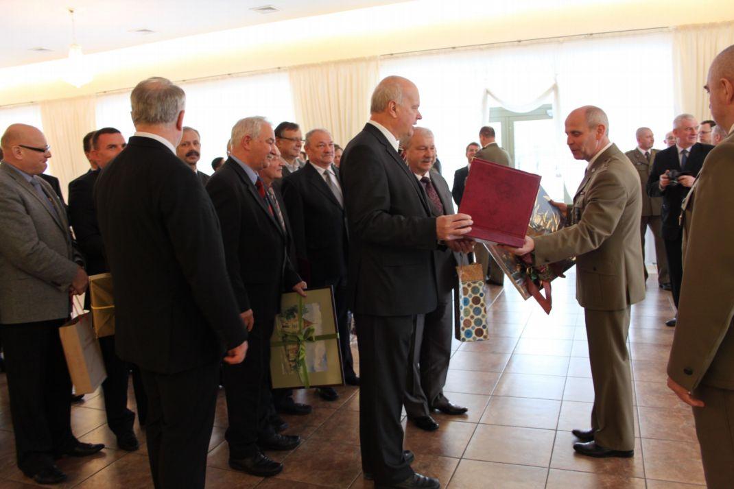 Ilustracja do informacji: Komendant WKU przeszedł na emeryturę