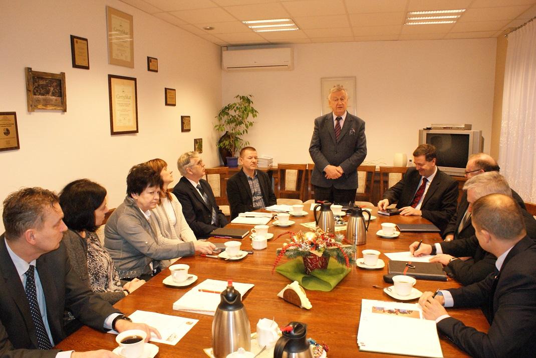 Ilustracja do informacji: Spotkanie z dyrektorami szkół