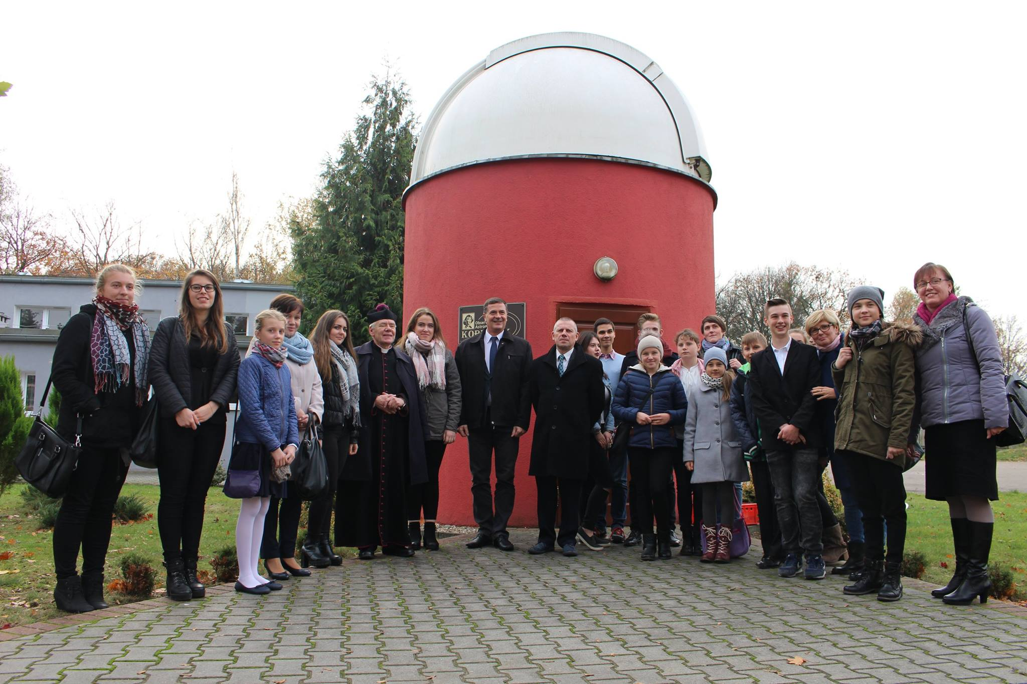 Ilustracja do informacji: XI Młodzieżowe Seminarium Astronomicznego Powiatu Nowotomyskiego