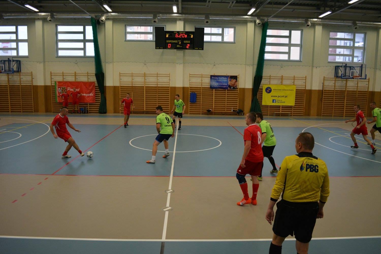 Ilustracja do informacji: Strażacy w piłkarskiej akcji!