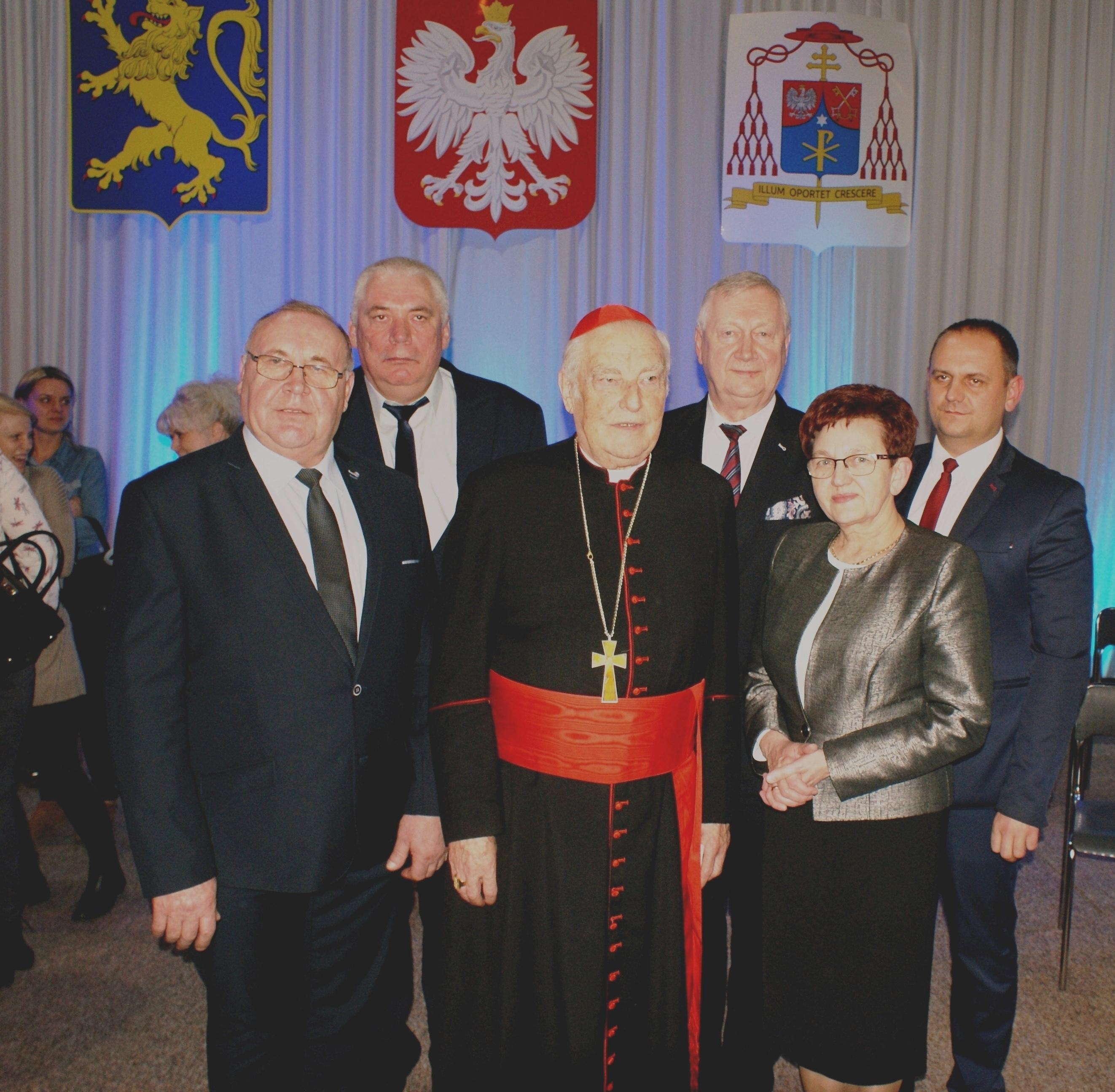 Ilustracja do informacji: Kardynał Zenon Grocholewski Honorowym Obywatelem Gminy Lwówek