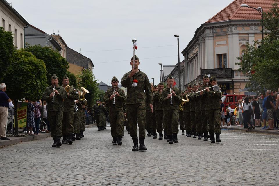 Ilustracja do informacji: Armii w darze