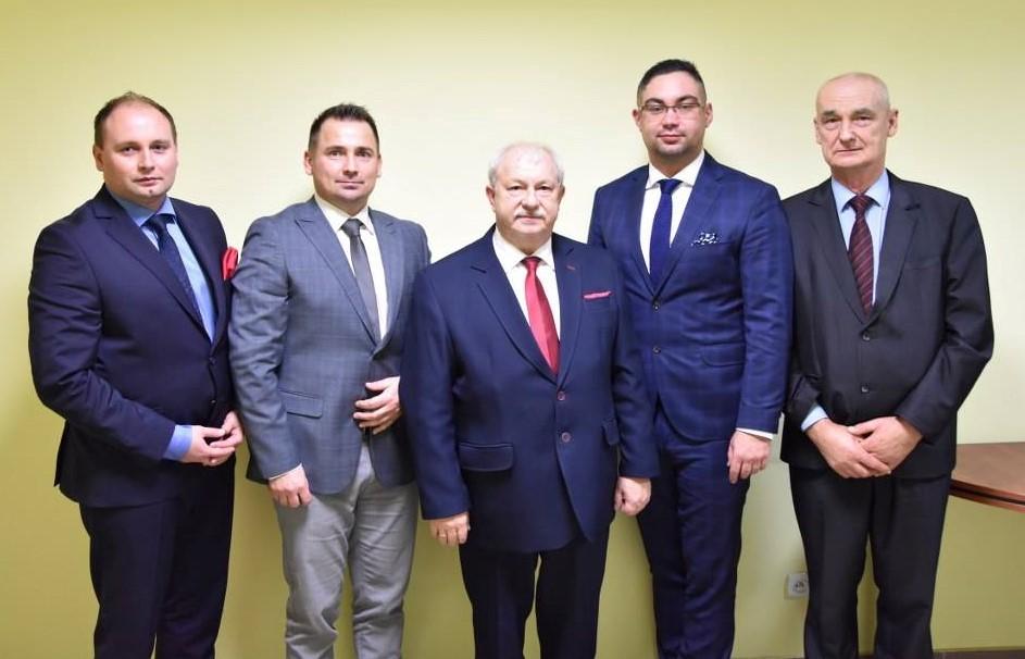 Ilustracja do informacji: I Sesja Rady Powiatu Nowotomyskiego kadencji 2018-2023