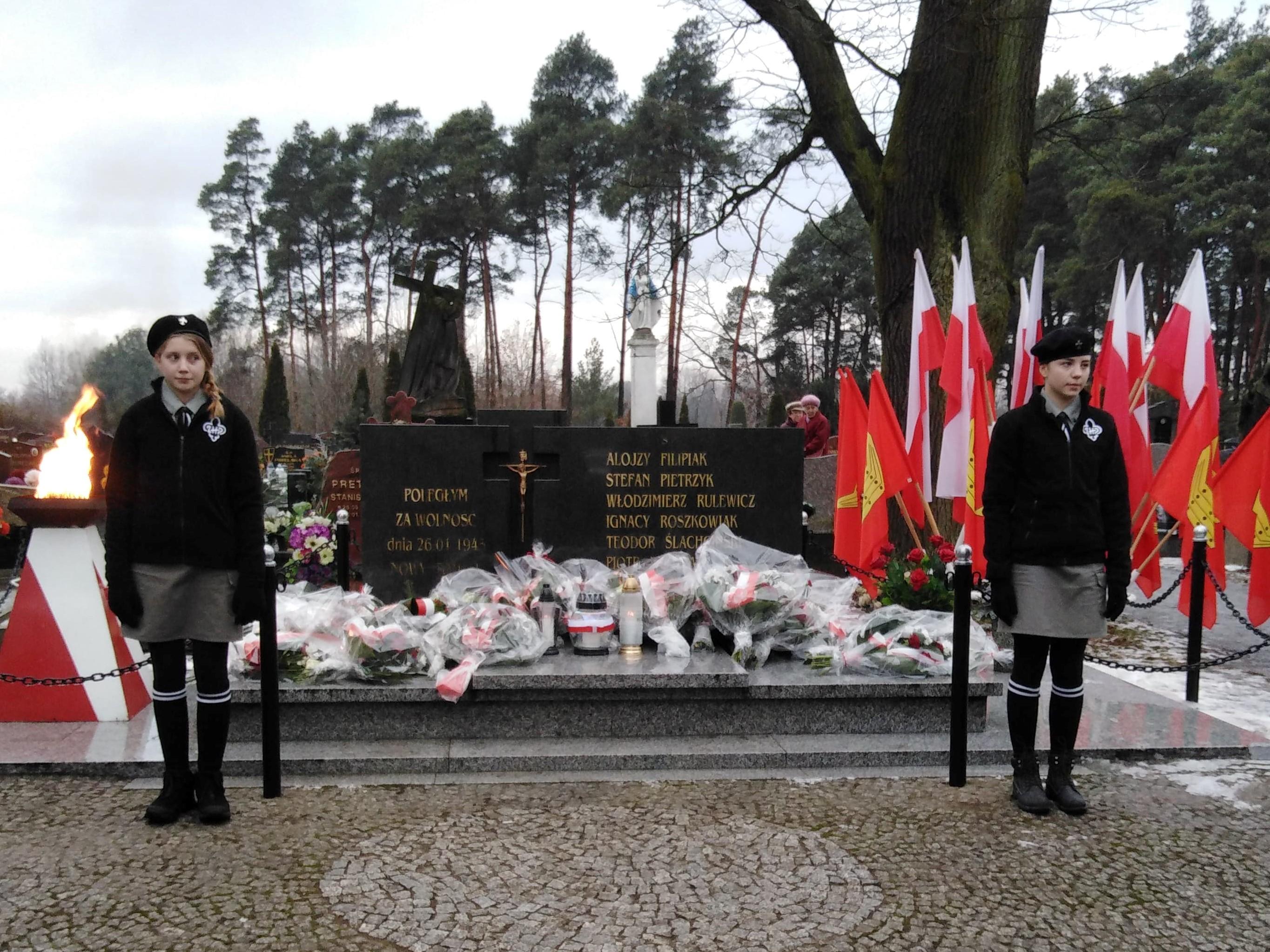 Ilustracja do informacji: Uczcili pamięć pomordowanych